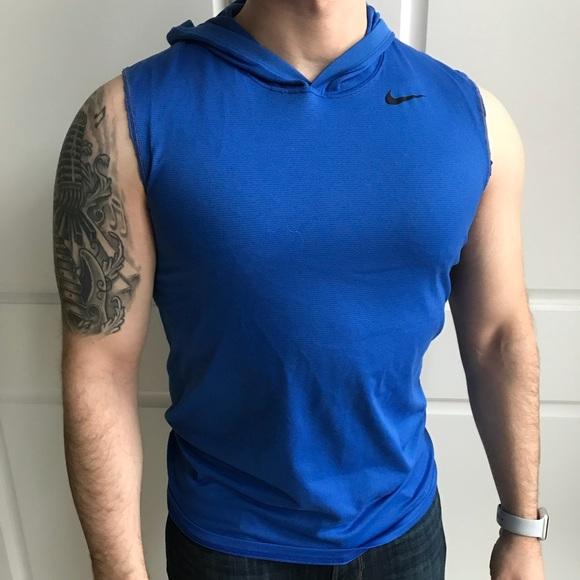 f9c029d25b75 Nike men s cutoff sleeveless hoodie. M 5a5cbba736b9de5da66a86ce